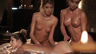 Always a enjoyable in like manner to end massage and Gina loves steamy of a female lesbian threesomes