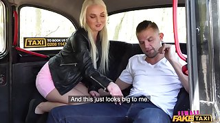 Dick loving Lovita Fate spreads her legs with ride a cab driver