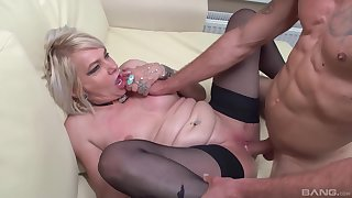 Pussy eating makes dirty adult Elena horny for his large dick