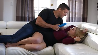 Play a joke on MILF works magic with her stingy pussy